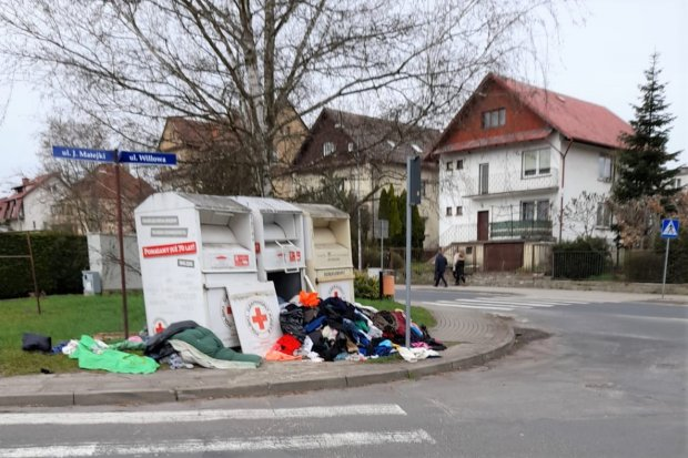 Pandemonium przy Matejki i Willowej w Bolesławcu. Jest komentarz PCK