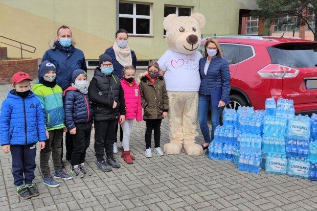 """Dzieciaki z """"jedynki"""" wspomogły pacjentów bolesławieckiego szpitala"""