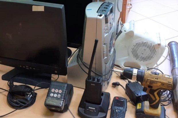 Włamali się do budynku PKP i ukradli sprzęt do... komunikacji z maszynistami