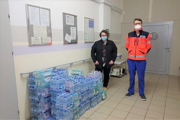 """Pani Magda w niezwykły sposób podziękowała szpitalowi w Bolesławcu. """"Pomaganie jest fajne"""""""