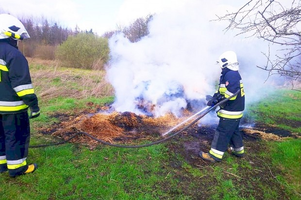 Pożar słomy w Gromadce