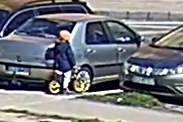 5-latek na rowerku biegowym wjechał wprost pod samochód