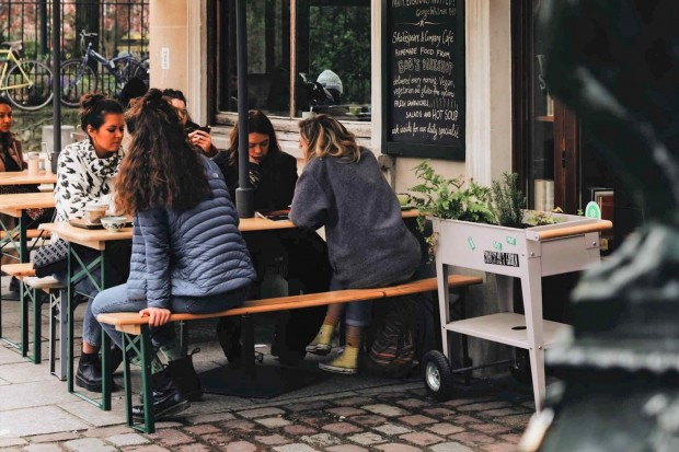 """Miejska """"tarcza"""" dla restauratorów. Są preferencyjne stawki za ogródki!"""