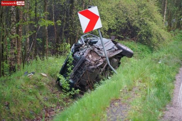 Zderzenie ciężarówki z terenówką – jedna osoba poszkodowana