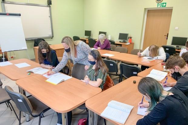 Uczniowie szkół średnich za darmo nadrabiają zaległości po zdalnym nauczaniu