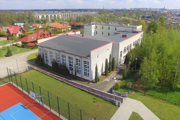 Wolne miejsca dla dzieci 5–6-letnich w Przedszkolu nr 3 przy ul. Ceramicznej w Bolesławcu