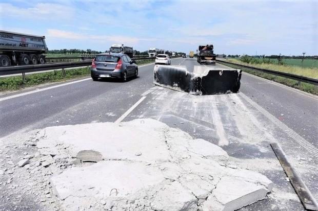 Niebezpieczne zdarzenie na A4. Na drogę spadł… betonowy blok