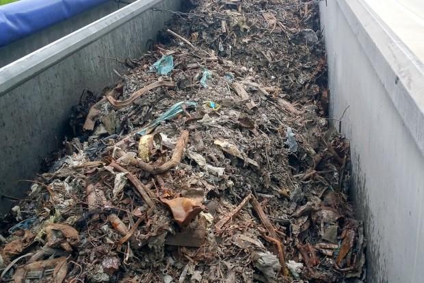 Zatrzymali 25 ton nielegalnych odpadów z Niemiec na A4
