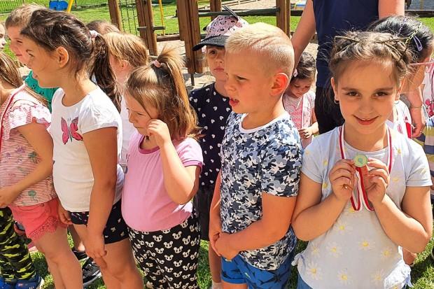 Na sportowo i z optymizmem w bolesławieckich przedszkolach