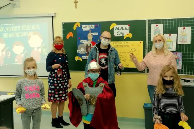 Dzieci ze Szkoły Podstawowej nr 3 wraz z UNICEF Polska uczą się pomagać