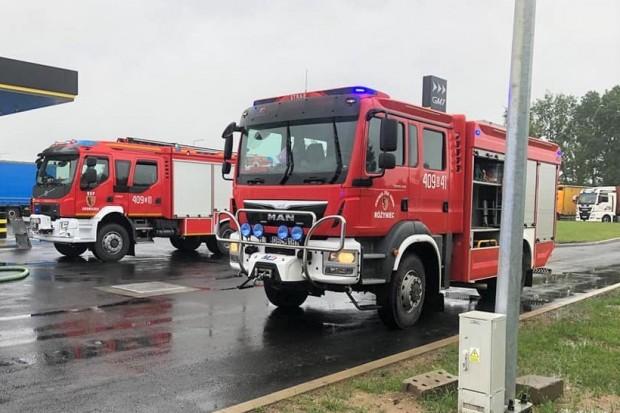 Strażacy interweniowali na stacji paliw na strefie