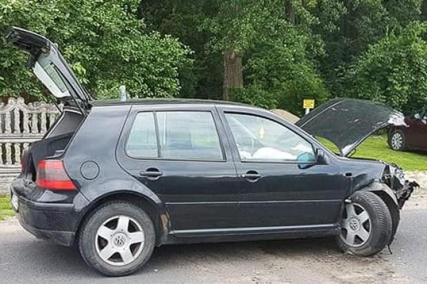 Wypadek w Gromadce, dwaj młodzi kierowcy ranni