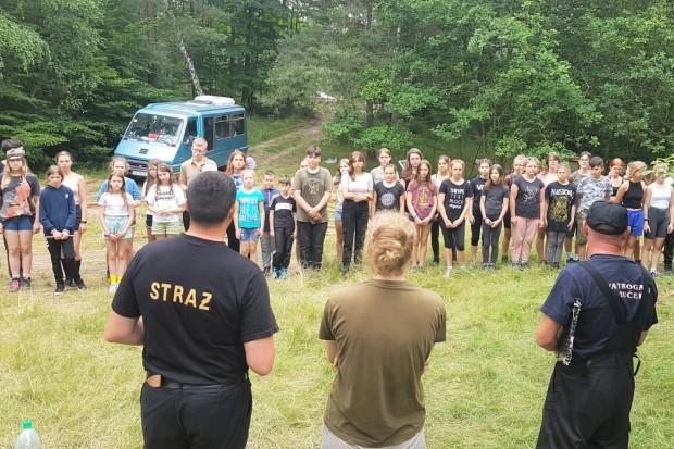 Bolesławieccy strażacy na obozie harcerskim w Przejęsławiu