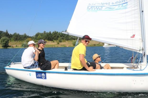 Szkolenie żeglarskie dla młodzieży – zdobądź patent żeglarza jachtowego i sternika motorowodnego