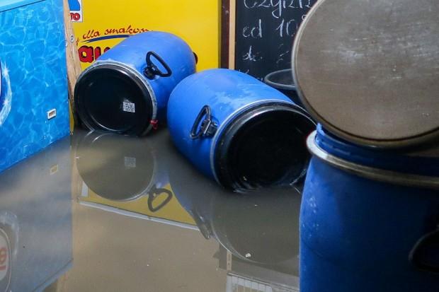 Masakra w restauracjach w Rynku. Woda zalała piwnice