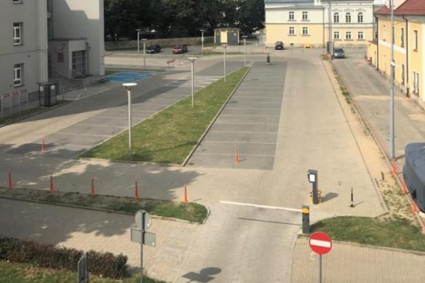 Co z parkingiem przy Starostwie Powiatowym w Bolesławcu?