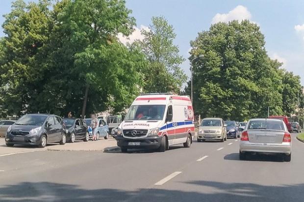 Wypadek na Chrobrego w Bolesławcu, 39-latka i 20-latek w szpitalu