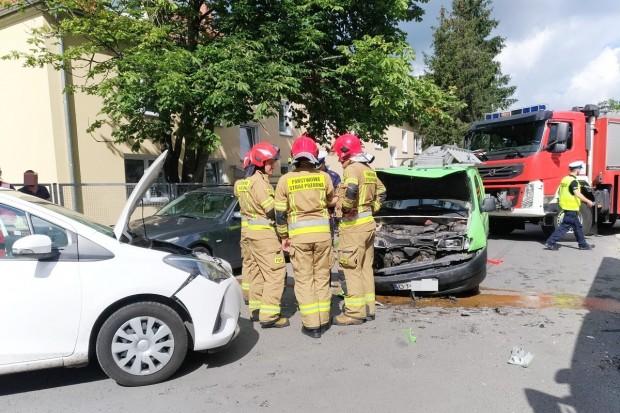 Zderzenie Citroena z Toyotą przy Łasickiej – jedna osoba poszkodowana