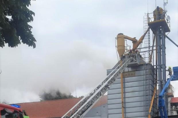 Duży pożar w Lubkowie. Trwa akcja strażaków