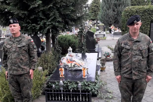 Świętoszowscy pancerniacy pamiętają o poległych kolegach