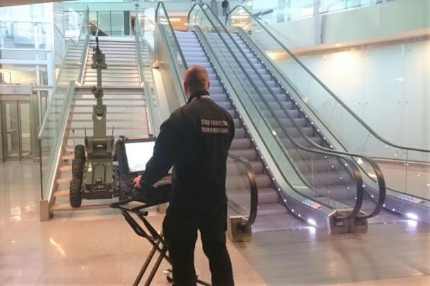 Akcja na wrocławskim lotnisku, ewakuowano blisko 400 pasażerów! Wiemy, co było powodem