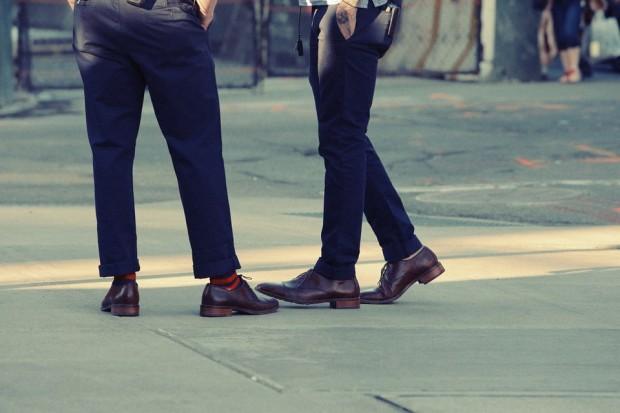 Czym kierować się przy zakupie spodni męskich?