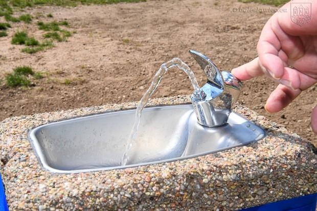 Dobra wiadomość! Jest zdrój wody pitnej na Wiadukt Plaza w Bolesławcu