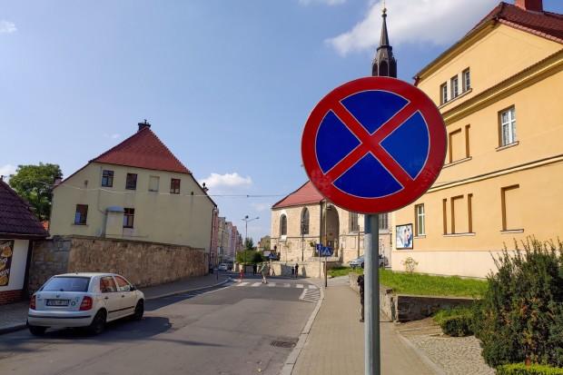 Uważajcie, sypią mandatami na Kościelnej, bo wprowadzono zakaz