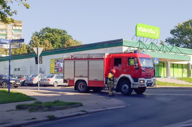 Trzy interwencje straży – śliskie plamy na drogach w mieście i powiecie