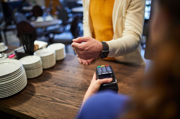 Smartwatch z NFC – przydatna funkcja czy zbędny gadżet?
