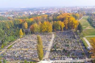 Jest problem z toaletą na cmentarzu w Bolesławcu?