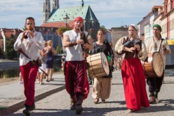 Gwiazdy Jakubów: Sambor Dudziński, Witek Muzyk Ulicy i Hoyraky