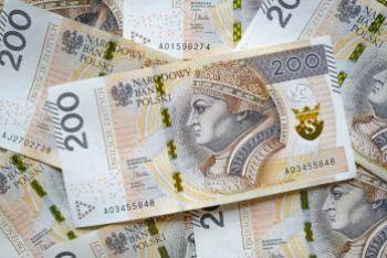 Gdzie opłaca się wymieniać dolary na złote w Warszawie?