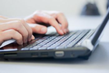 Jaka prędkość internetu potrzebna jest do pracy zdalnej?