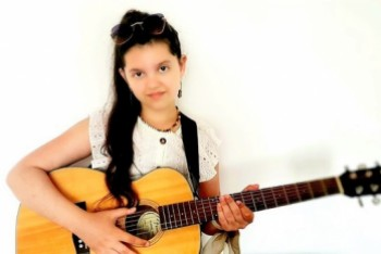 12-letnia Wiktoria Parkita nagrała płytę z Wojtkiem Szajwajem