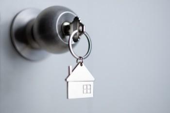 Krótkoterminowy wynajem mieszkań a pobyt służbowy, prywatny, turystyczny
