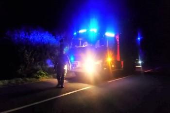 Nocna akcja straży na drodze między Gromadką a Wierzbową