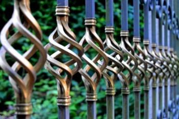 Panel ogrodzeniowy – co wpływa na jego popularność?