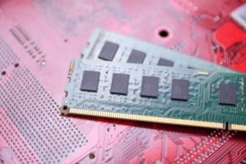 DDR3 a DDR4 – jakie są różnice?