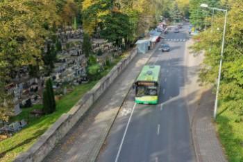 Wszystkich Świętych: Jak będą kursowały autobusy w Bolesławcu?