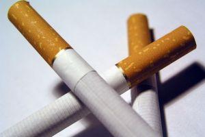 Wpadł z 13 tys. nielegalnych papierosów i prawie 18 litrami spirytusu