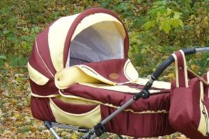 Dwie Czeszki ukradły elektronarzędzia i schowały je w… wózku dziecięcym