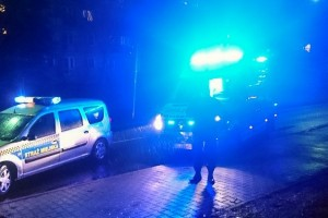 Strażnicy miejscy pomogli staruszkowi potrąconemu na pasach