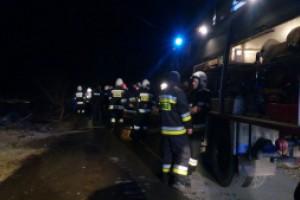 Pożar opon przy moście nad autostradą A4
