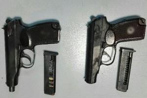 Wpadli z dużą ilością amfy i ecstasy i z nielegalną bronią
