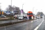 Zderzenie ciężarówki z osobówką na obwodnicy