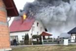 Spłonął dach i poddasze budynku w Milikowie