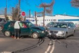 Dwie osoby poszkodowane w kolizji na skrzyżowaniu Wróblewskiego i Dolnych Młynów