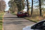 Śmiertelny wypadek. Kia wjechała w drzewo, 38-letni kierowca zginął na miejscu