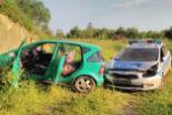 Pijany 22-latek bez prawa jazdy uciekał policji. Celowo staranował radiowóz